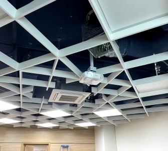 Монтаж проектора в офисе Салтовского мясокомбината (СМК Групп)